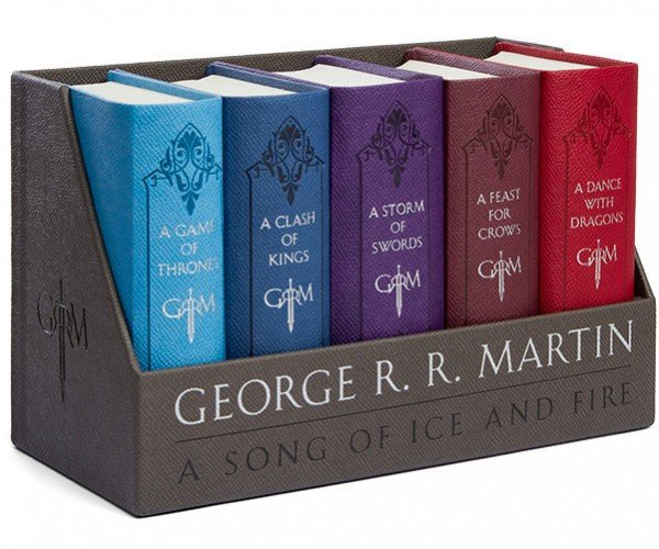A Song of Ice and Fire Boxed Book Set: A Box of Vinyl and Cloth