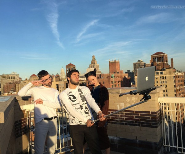 This Macbook Selfie Stick Is Tough on the Arms
