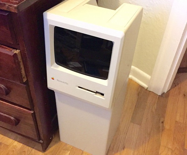 Macintosh Classic Turned from Trash to Trash Bin