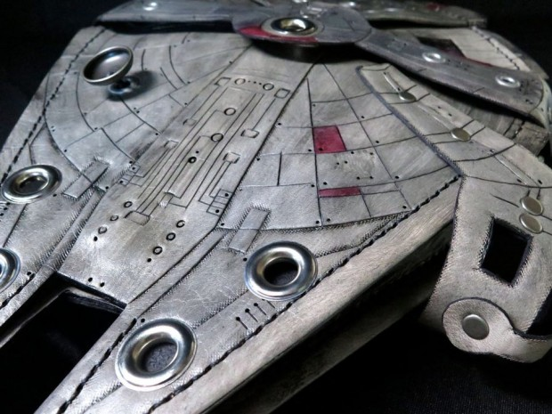 millenium_falcon_purse_3