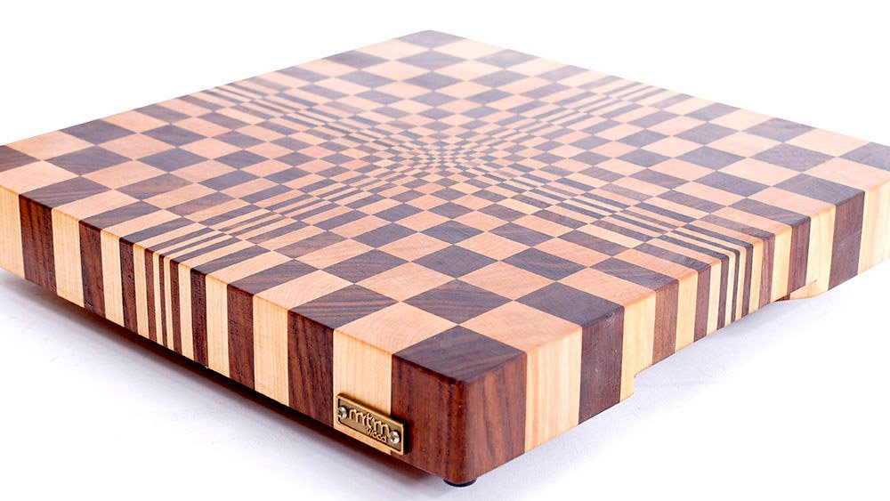 check out this amazing optical illusion cutting board