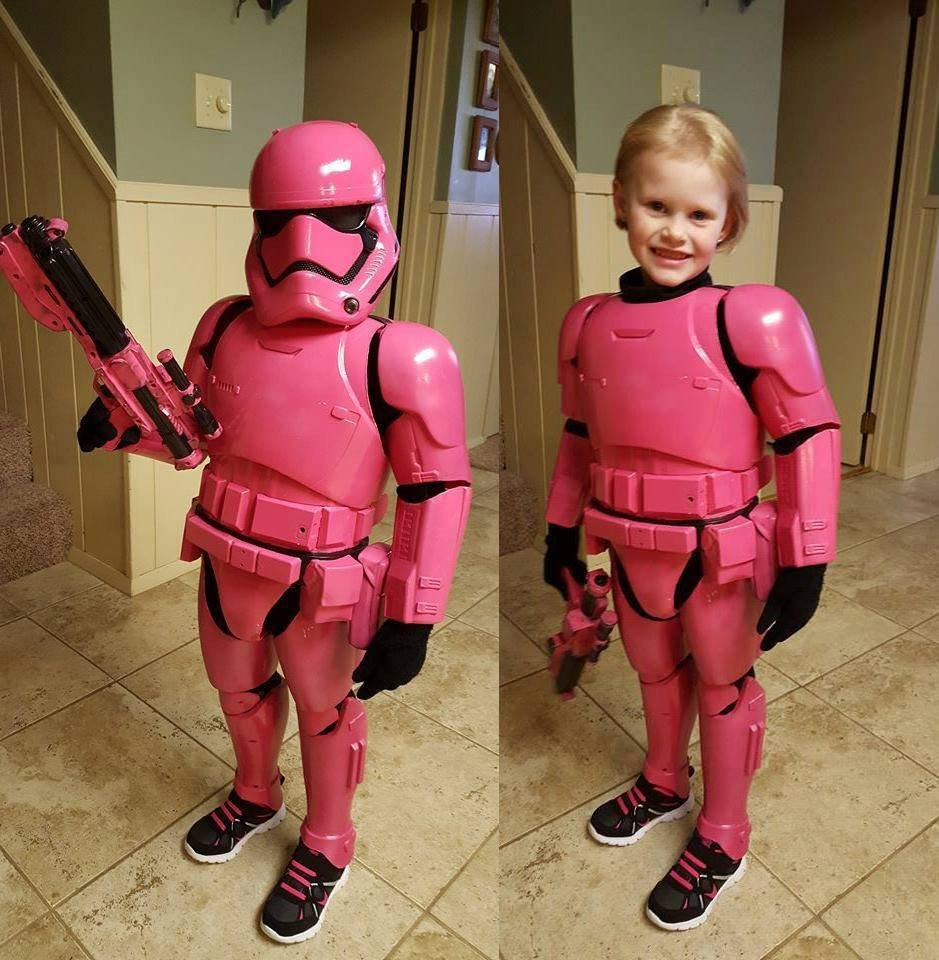 Dad creates awesome pink stormtrooper costume for daughter cute pinkstormtroopercostume1 zoom in solutioingenieria Gallery