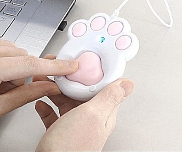 The Pnitty Mouse Feels Like a Cat or Dog Paw