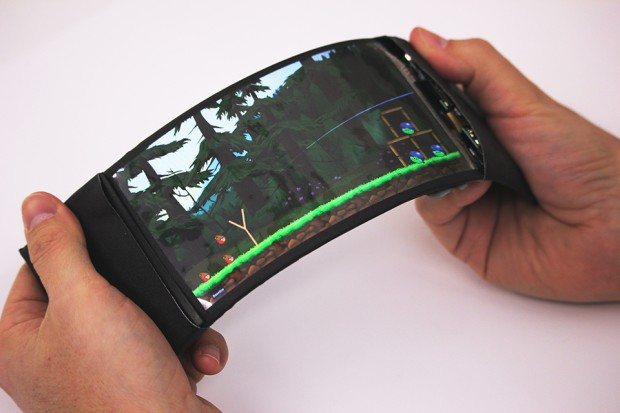 reflex_flexible_smartphone_by_queens_university_human_media_lab_2