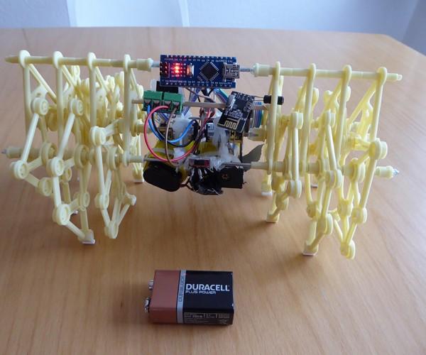 Remote-controlled Mini Strandbeest: Thighmiya