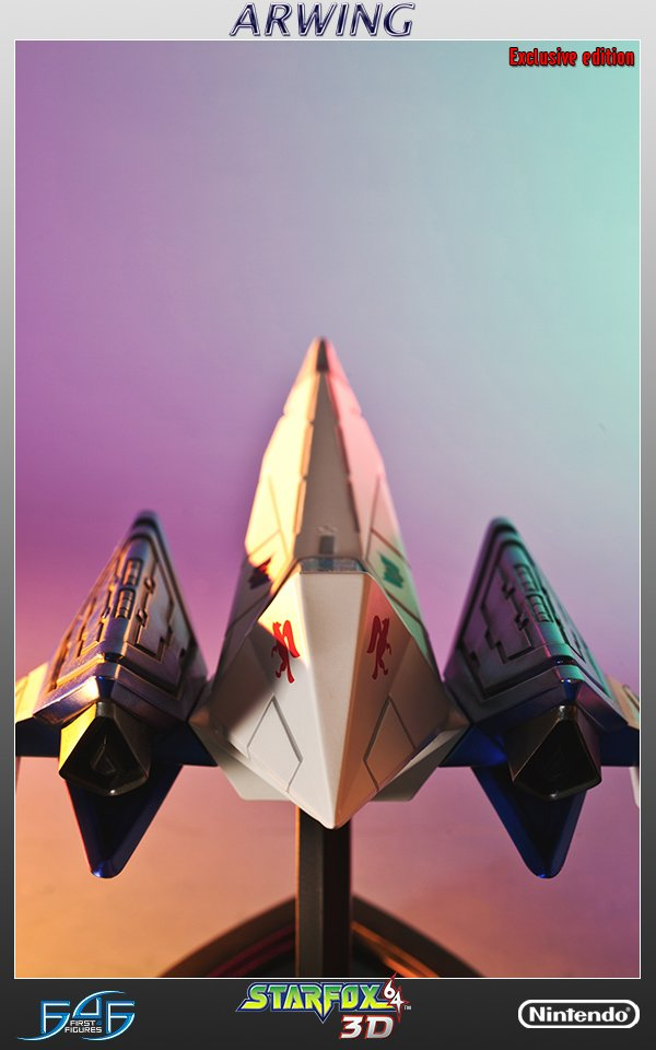 star_fox_arwing_statue_by_first_4_figures_9