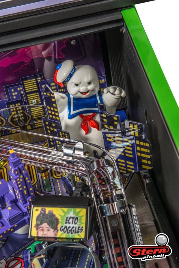 ghostbusters_pinball_machine_by_stern_pinball_11