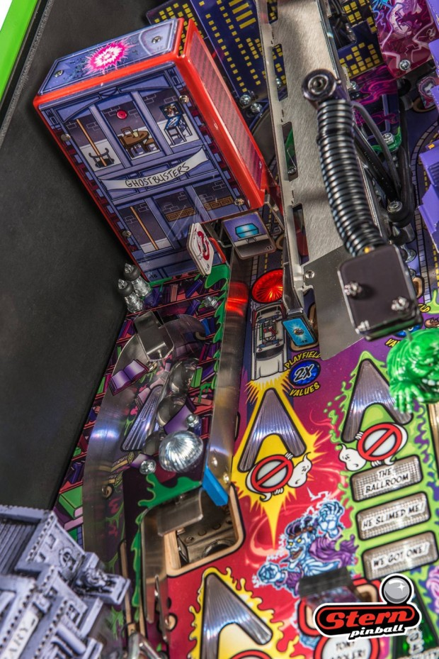 ghostbusters_pinball_machine_by_stern_pinball_9