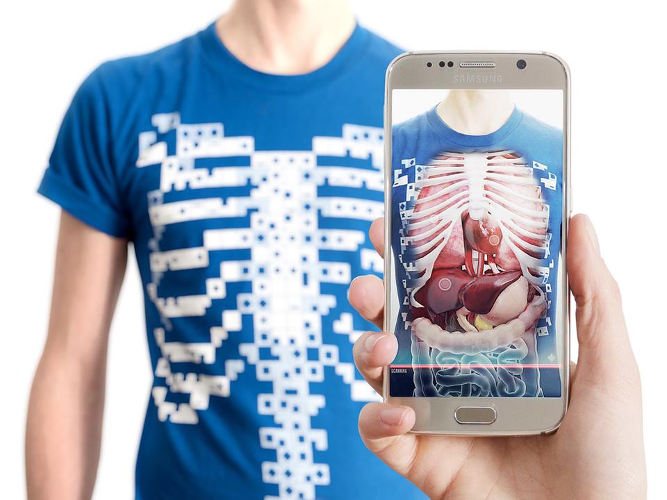 T Shirt That Reveals A 3d Model Of The Human Torso Virtuali Tee