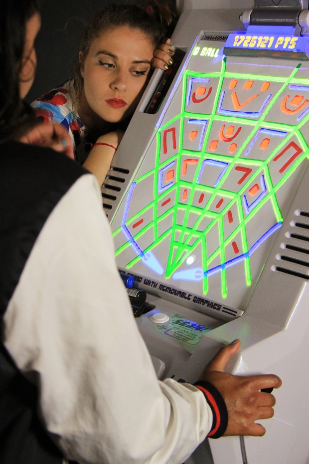 flippaper_sketch_pinball_by_Jeremie_Cortial_and_Roman_Miletitch_6