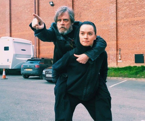Mark Hamill and Daisy Ridley Own Twitter