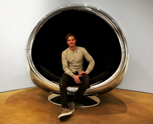 jet_engine_nacelle_chair_1