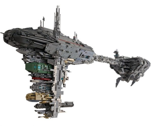 LEGO Star Wars Medical Frigate Will Give You a Hand