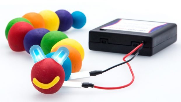 squishy_circuits_modeling_clay_electronics_kit_1