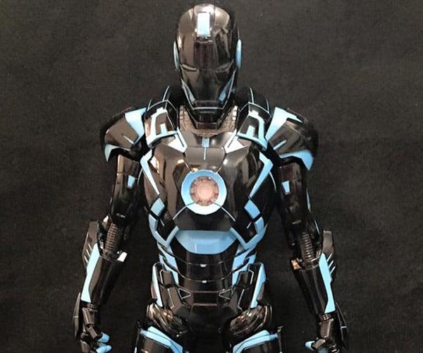 Iron Man + TRON = TRONMan