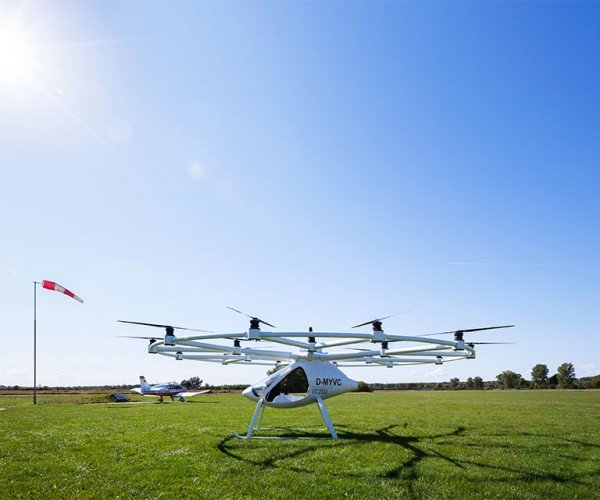 Volocopter VC200 First Manned Flight Test Goes off Without a Hitch