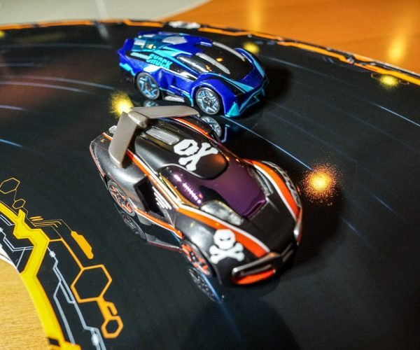 Anki Overdrive Review: Slot Car Fun without Slots or Wires