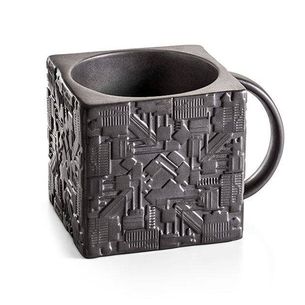 You Need To Put Your Coffee Into This Star Trek Borg Cube Mug It S Square Holds And Unlike A Real Has Handle