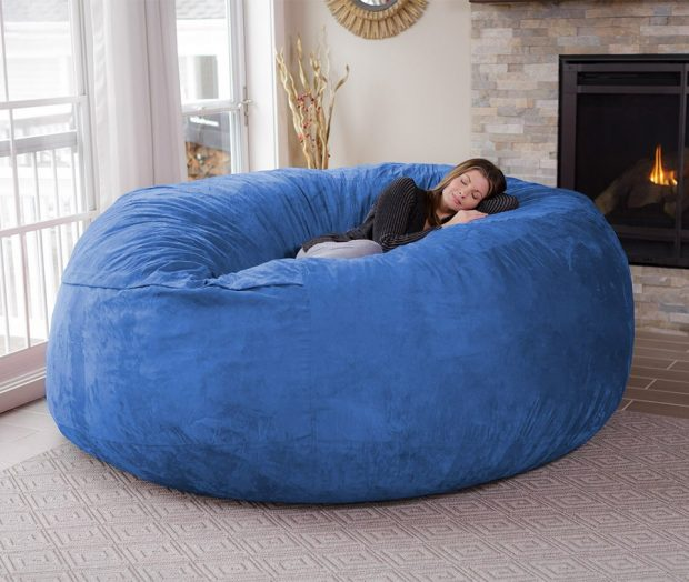 chill_bag_giant_bean_bag_chair_2 zoom in. The Chill Bag ... - The Chill Bag Is An Eight-Foot Bean Bag Chair - Technabob
