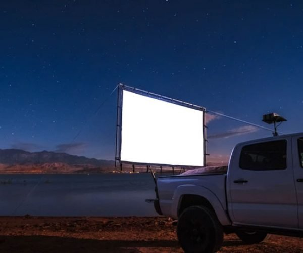 Hitch Theaters Turns Anywhere into a Drive-in