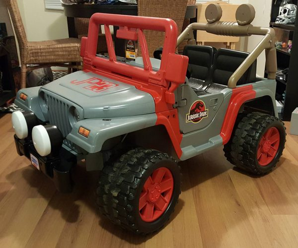 Jurassic Park Power Wheels Jeep: Dinosaur Wrangler