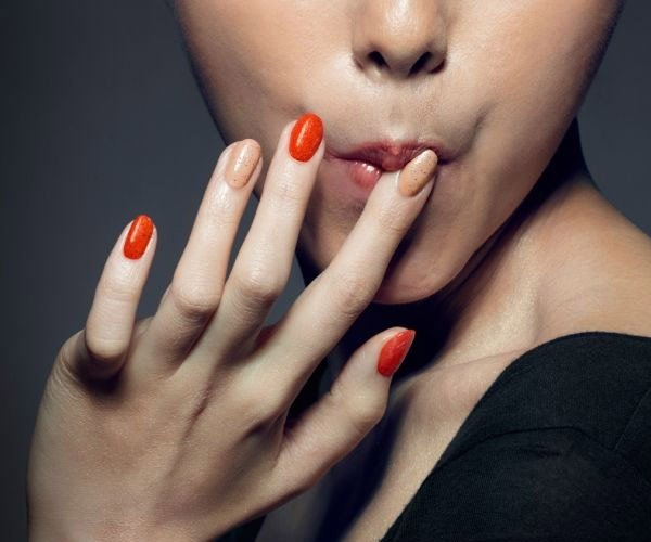 KFC Edible Nail Polish Makes Your Fingers Taste Like Chicken