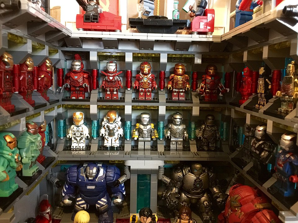 Custom lego iron man lab the iron bank technabob - Lego iron man 3 ...