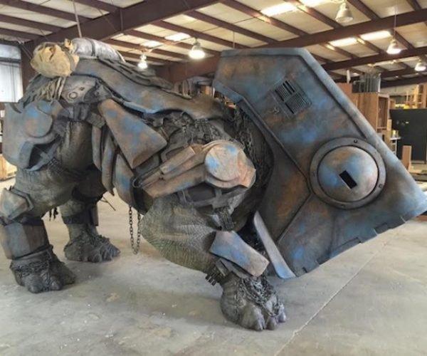 1:1 Scale Star Wars Luggabeast Is Truly Luggable