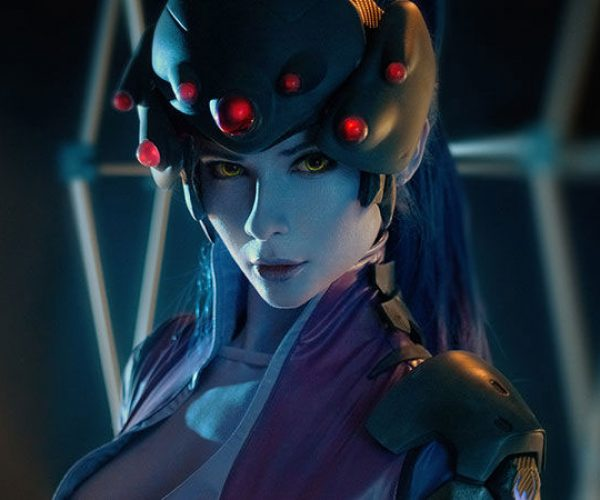 This Overwatch Widowmaker Cosplay is Perfect