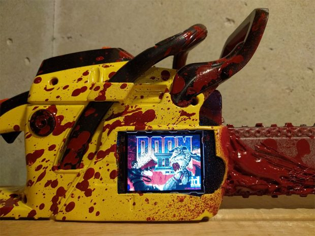 painsaw_doom_portable_console_2
