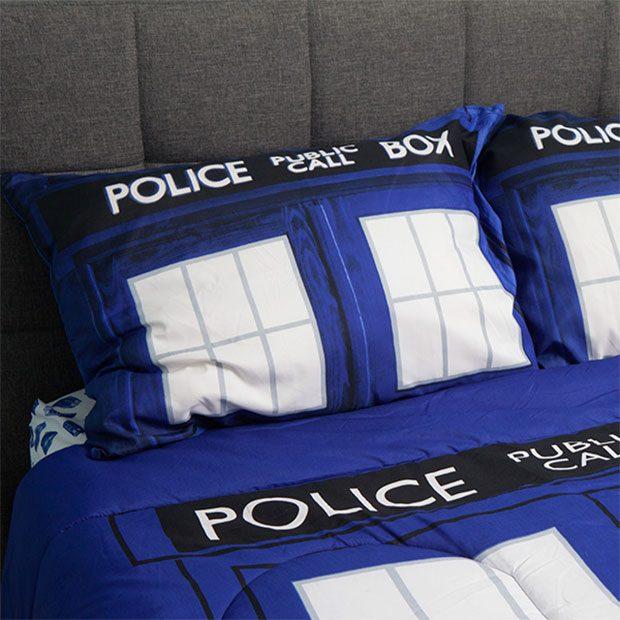 tardis-bed-2