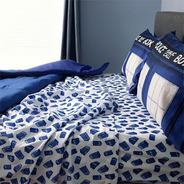 tardis-bed-4