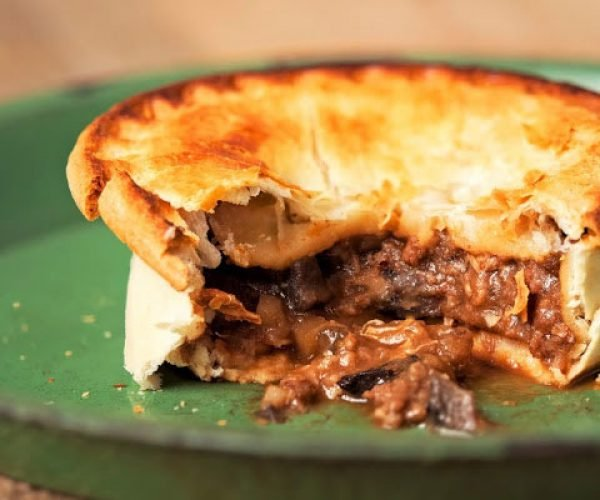 Make Your Own Game of Thrones Kidney Pie