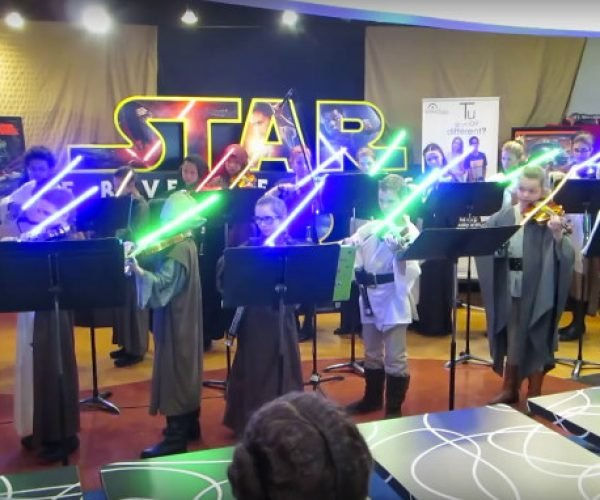 Kids Play Star Wars Music w/ Lightsabers
