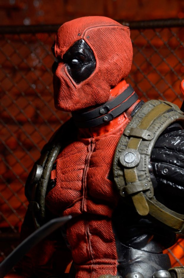neca_deadpool_quarter_scale_action_figure_3
