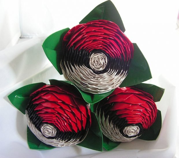 pokeball_duct_tape_roses_1