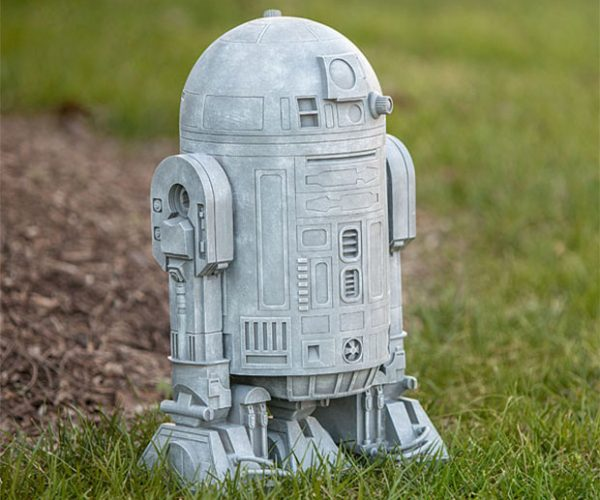 R2-D2 Lawn Ornament: The Patch of Grass You Were Looking for
