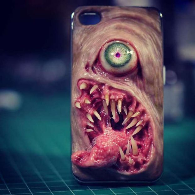 disgusting_smartphone_cases_1
