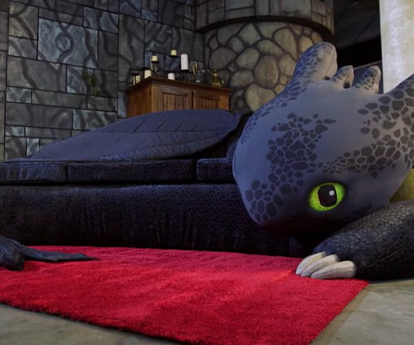 How to Train your Dragon Toothless Couch
