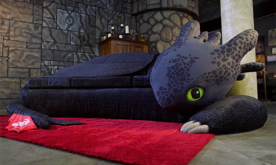 How To Yogibo in addition fortable Seating Options For Outdoors further Patchwork Algunas Ideas Para Decorar as well How To Train Your Dragon Toothless Couch as well Hamburgerbed. on bean bag chair couch