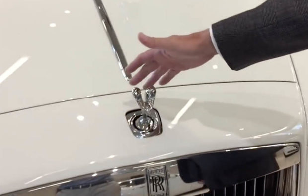 cant_steal_a_rolls_royce_hood_ornament_t