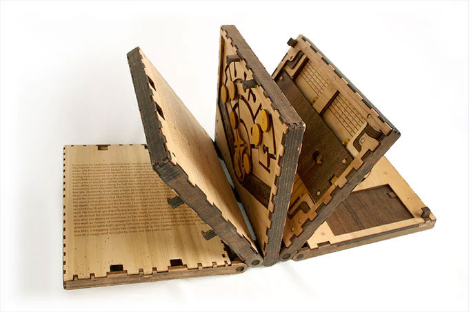 Codex silenda the book of puzzles looks awesomely for Puzzle cutting board plans