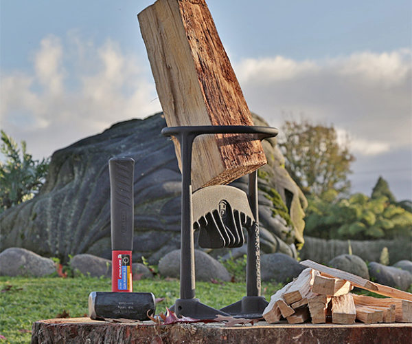 Kindling Cracker Splits Logs Without an Axe