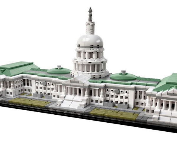 "LEGO Architecture US Capitol Kit Needs a Giant ""Independence Day"" Ship to Make it Perfect"