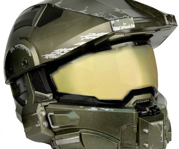 Halo Master Chief Motorcycle Helmet Lets You Cosplay While Riding