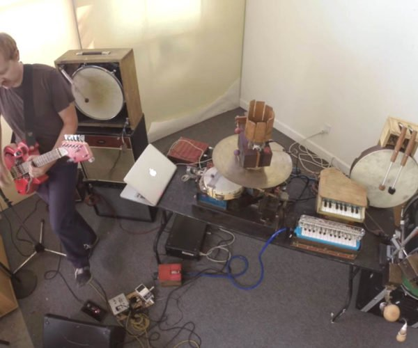 Octant: A Robot Band with a Human Leader