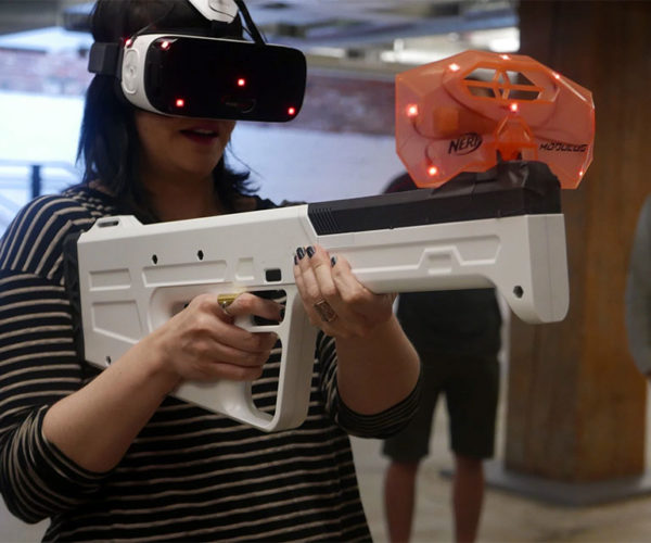 Arena Infinity Haptic VR Gun Prototype Can Simulate All Sorts of Weapons