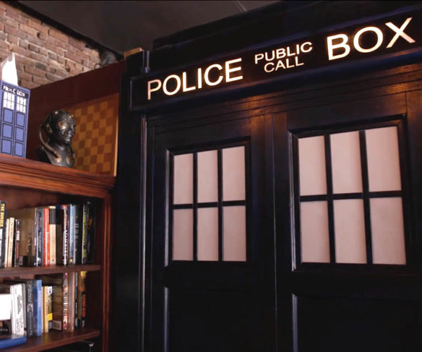 TARDIS Themed Bathroom: Stinkier on the Inside