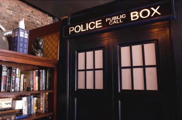 tardis_bathroom_1