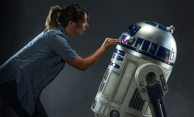 r2-d2-life-size-1